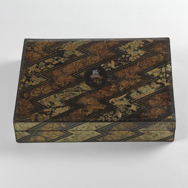 A fine painted lacquer games box and cover