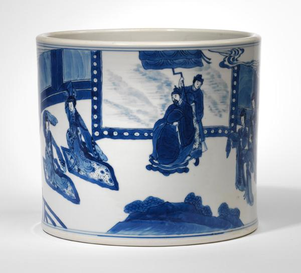 A blue and white porcelain brush pot (bitong)