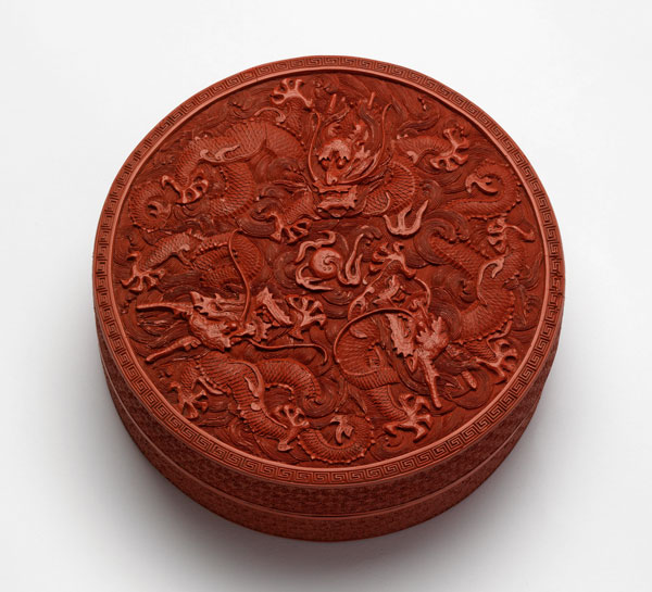 Lacquer box with dragons