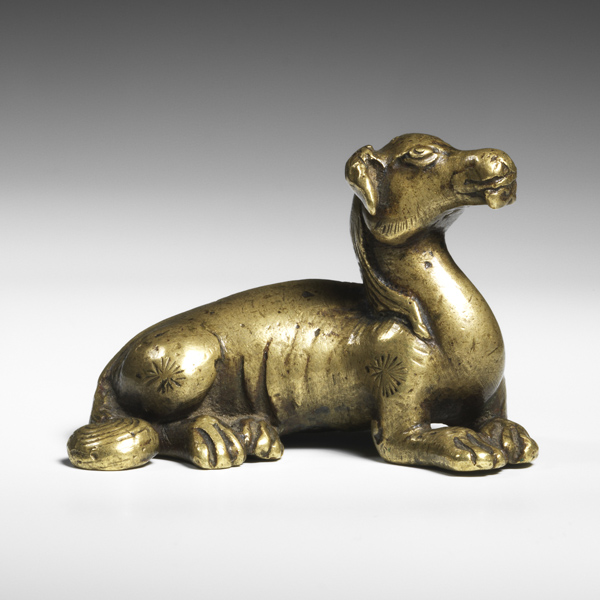 Bronze weight hound